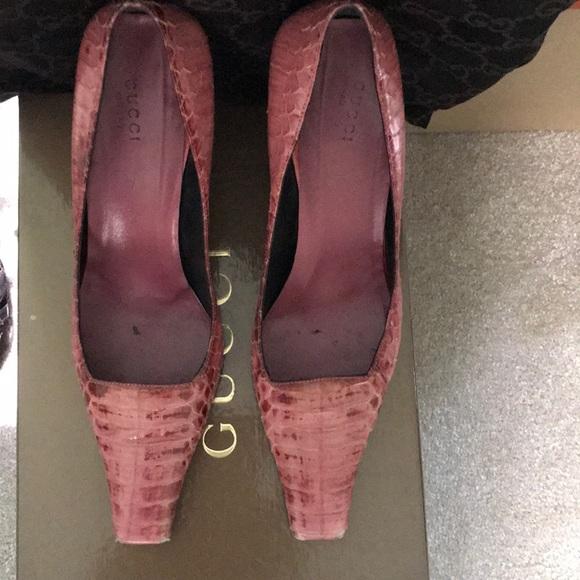 Gucci Shoes - Pink Alligator TOM FORD GUcci Pump